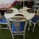 Sålt vitt klaffbord med stolar